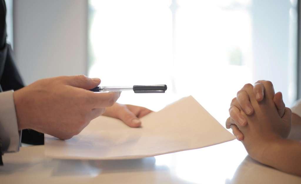 Image représentant une signature de contrat